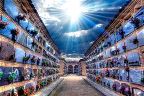 קבורה בקומות (קבורת סנהדרין)
