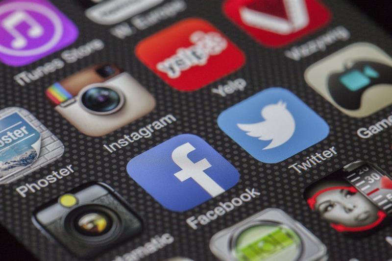 איך לבשר על מוות בעידן הדיגיטלי ?