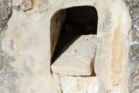 קבורה במערות